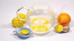 Teekanne mit Ingwerwasser