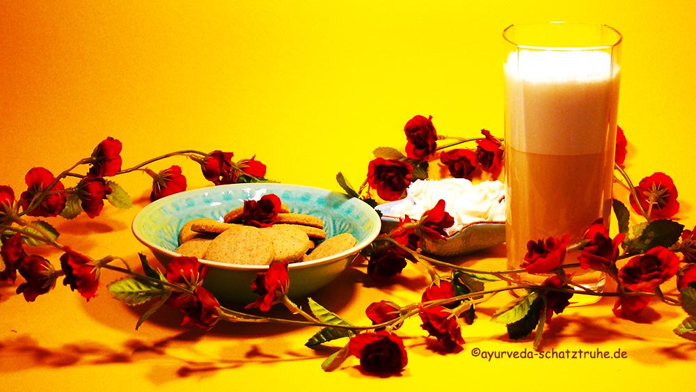 Raja's Cup, ein Genuss mit geschäumter Mandelmilch