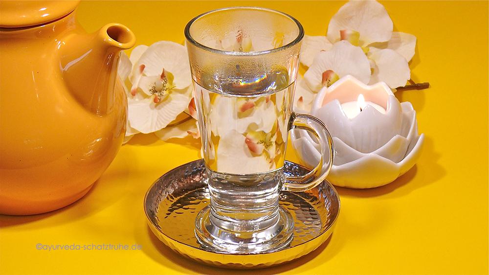 Ayurvedisch heißes Wasser